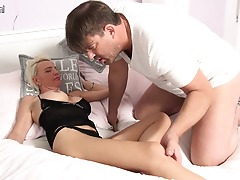 Super-naughty German housewife sucks big cock and gets fucked hard